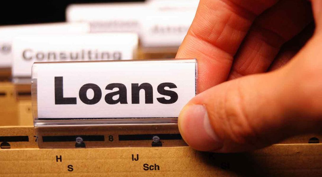 Offering private loans